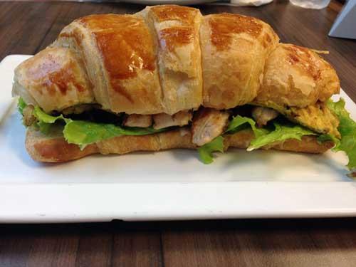 Padaria_Brasileira_sanduiche_premium_frango_omelete