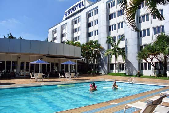 Novotel Sao Jose dos Campos SP piscina lazer
